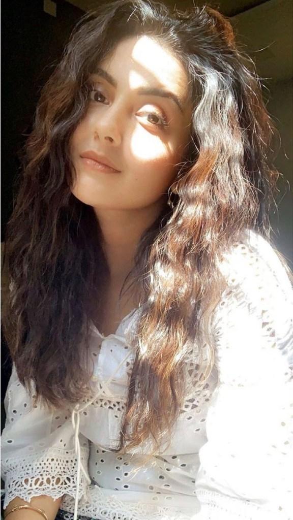 Mahima Nambiar Wiki, Age, Biography, Movies, and Gorgeous Photos 110