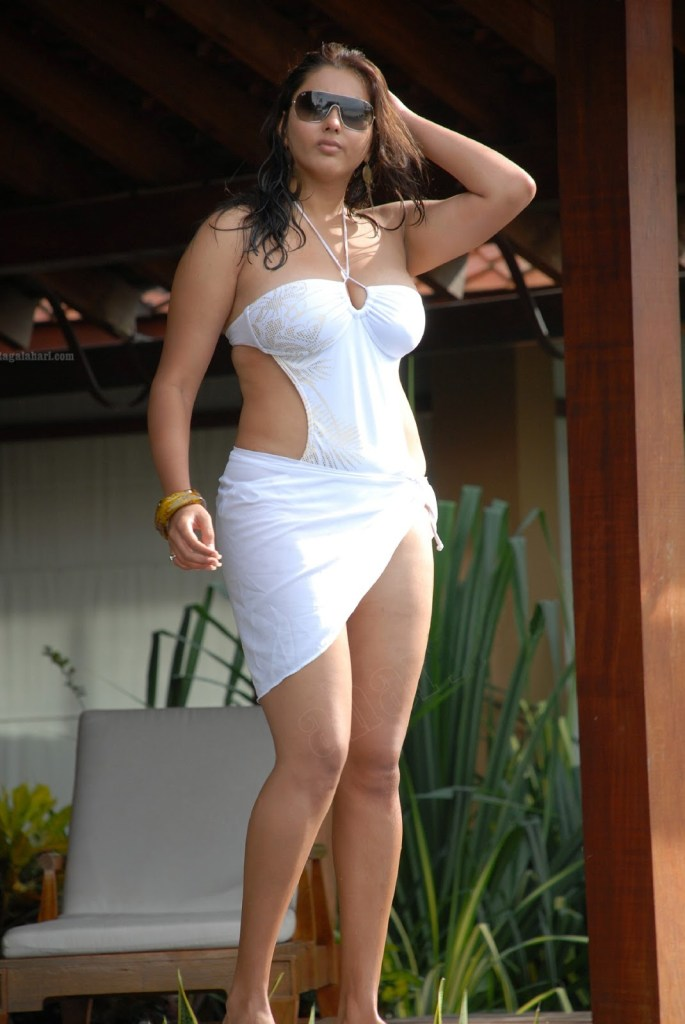 Namitha Kapoor Wiki, Age, Biography, Movies, and Stunning Photos 114