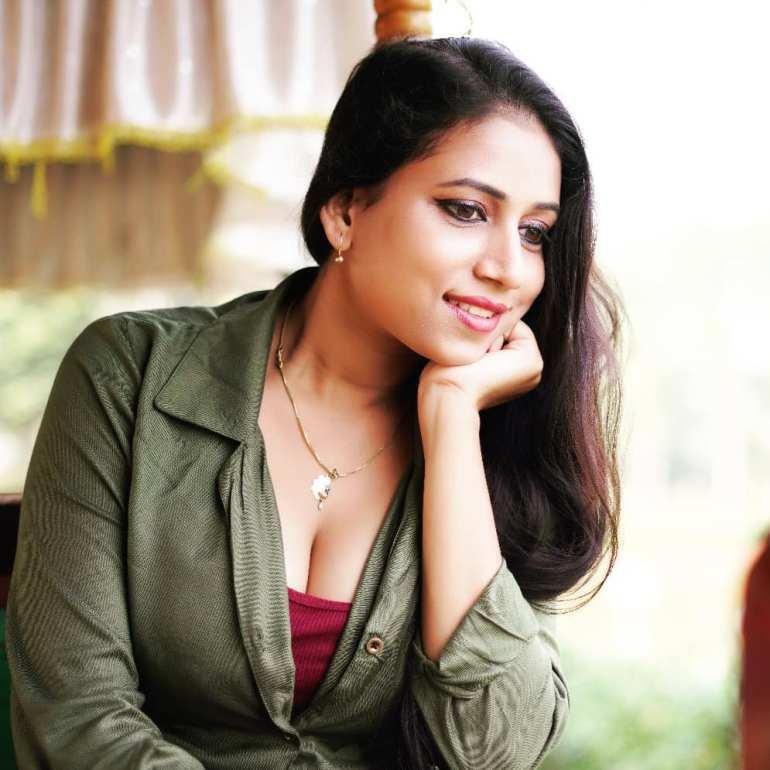Instagram & YouTube Sensation Nandini Nayek Wiki, Age, Biography and Glamorous Photos 117