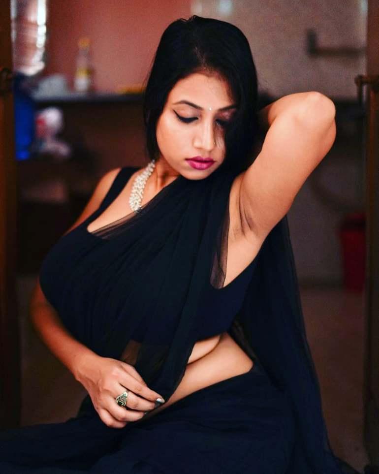 Instagram & YouTube Sensation Nandini Nayek Wiki, Age, Biography and Glamorous Photos 113