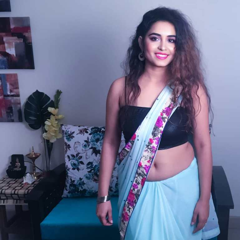 The Breathtaking Beauty of India Neeru Starlet Wiki, Age, Biography, Movies, and Gorgeous Photos 112