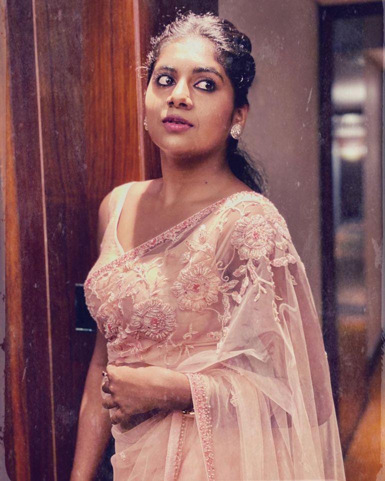 Nimisha Sajayan Wiki, Age, Biography, Movies, and Beautiful Photos 123