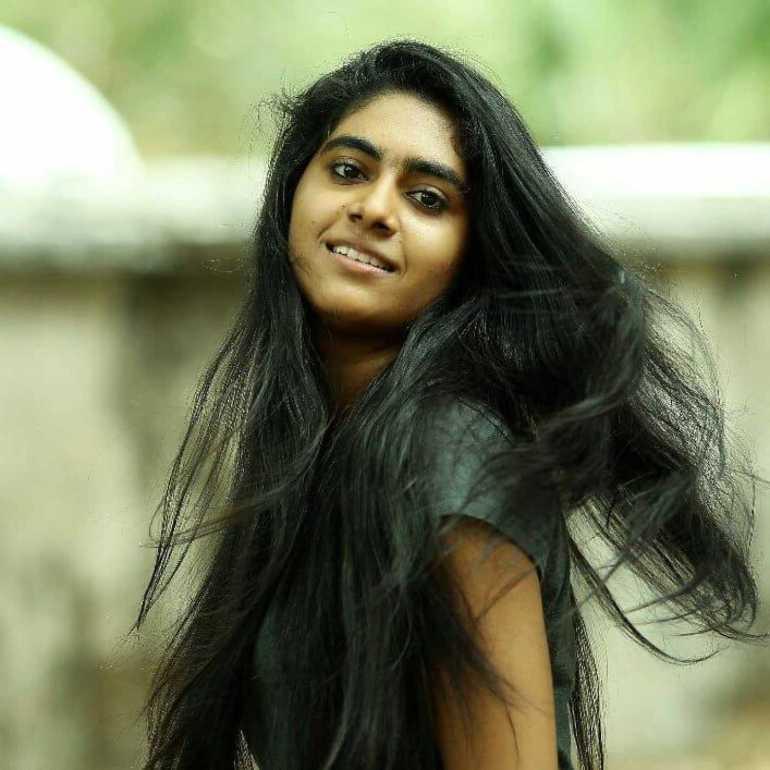 Nimisha Sajayan Wiki, Age, Biography, Movies, and Beautiful Photos 110