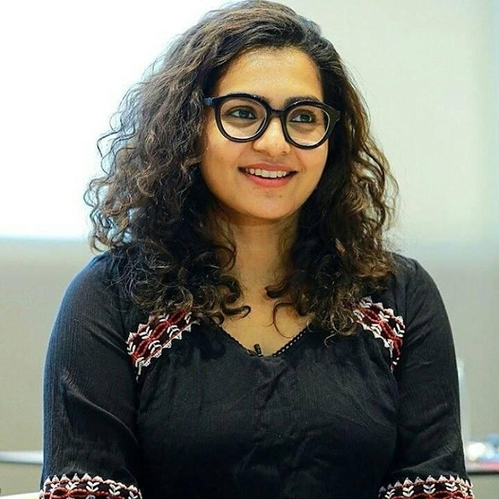 Parvathy Thiruvothu Wiki, Age, Biography, Movies, and Stunning Photos 111