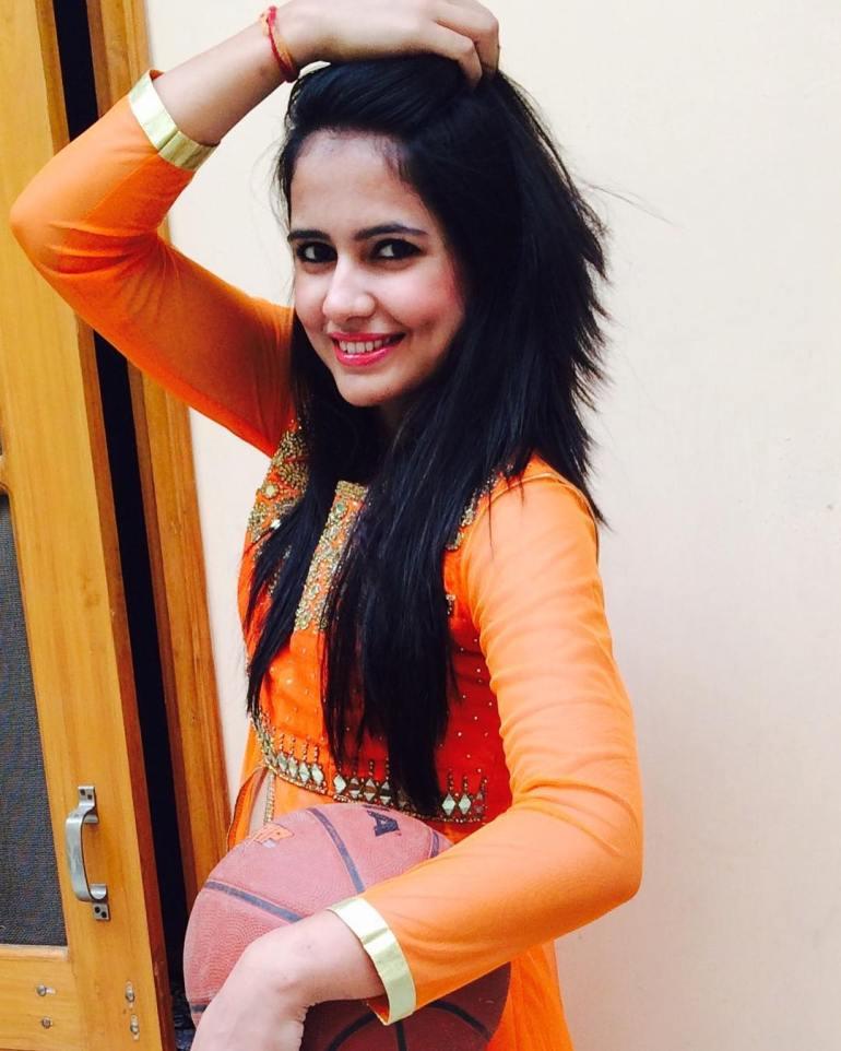 Pratima Singh Wiki, Age, Biography, Family, Career, and Beautiful Photos 99