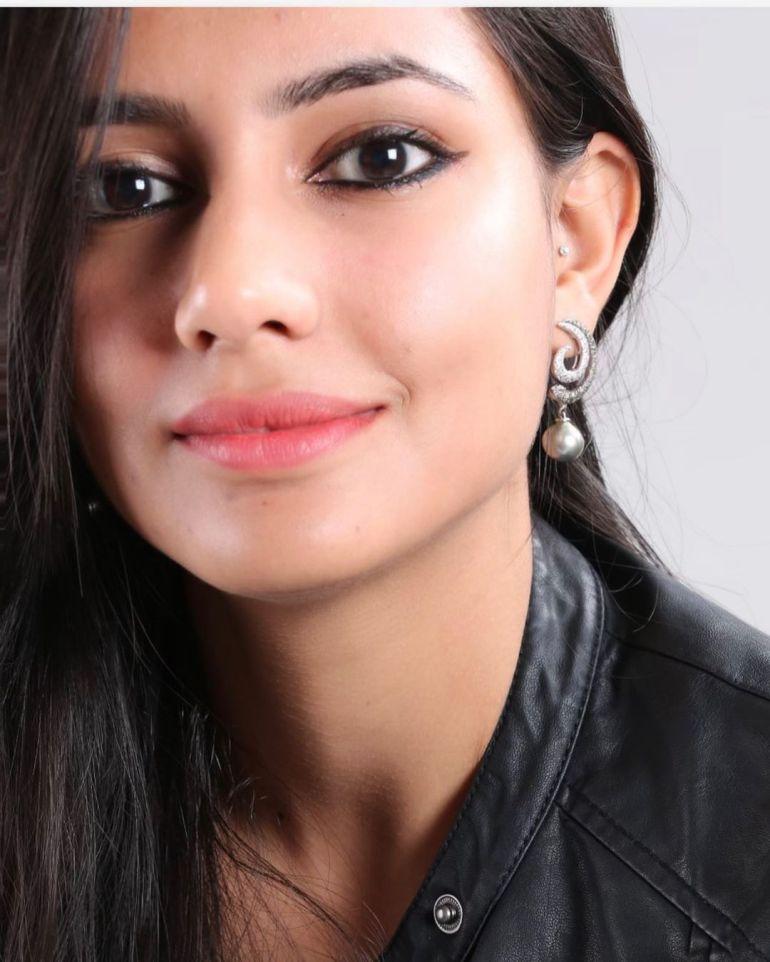 Pratima Singh Wiki, Age, Biography, Family, Career, and Beautiful Photos 109