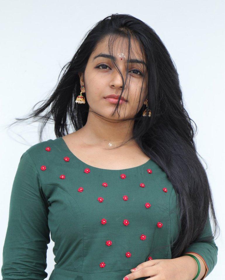 Rajisha Vijayan Wiki, Age, Biography, Movies, and Charming Photos 107