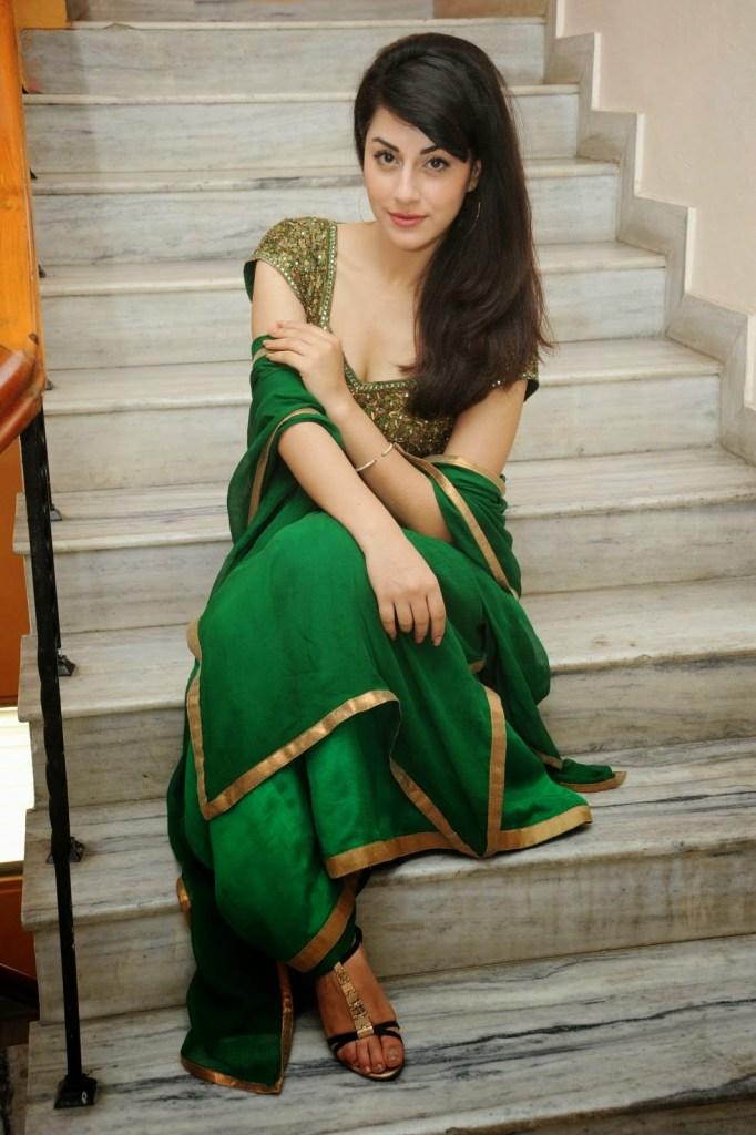 Rishika Jairath Wiki, Age, Biography, Movies, and Beautiful Photos 121
