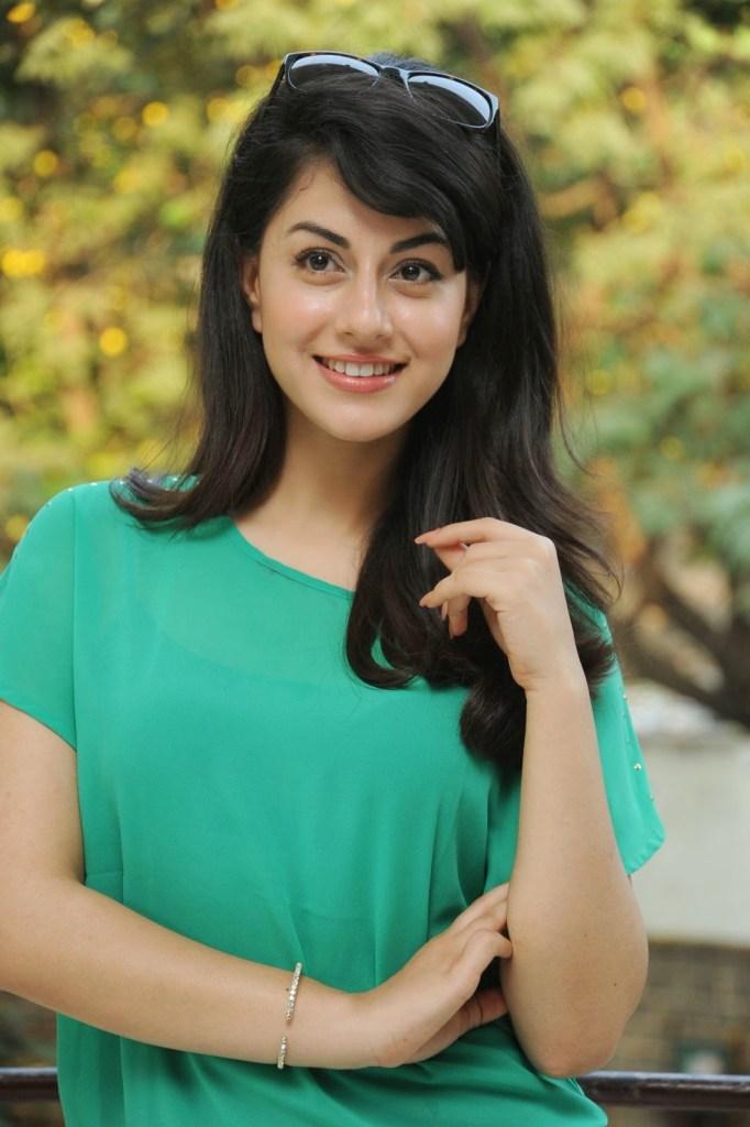 Rishika Jairath Wiki, Age, Biography, Movies, and Beautiful Photos 112