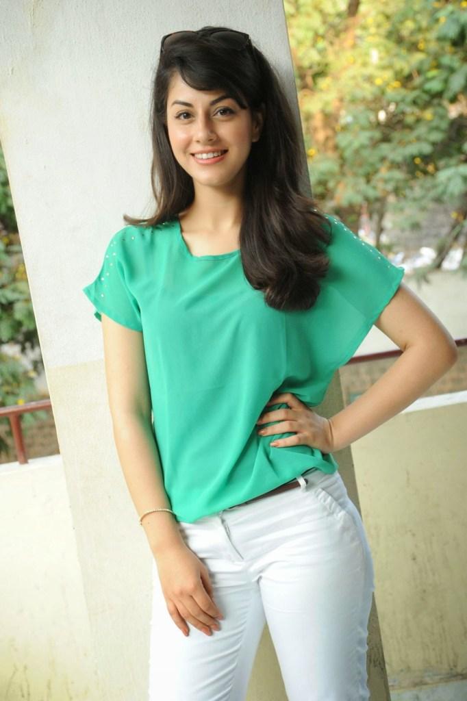 Rishika Jairath Wiki, Age, Biography, Movies, and Beautiful Photos 114