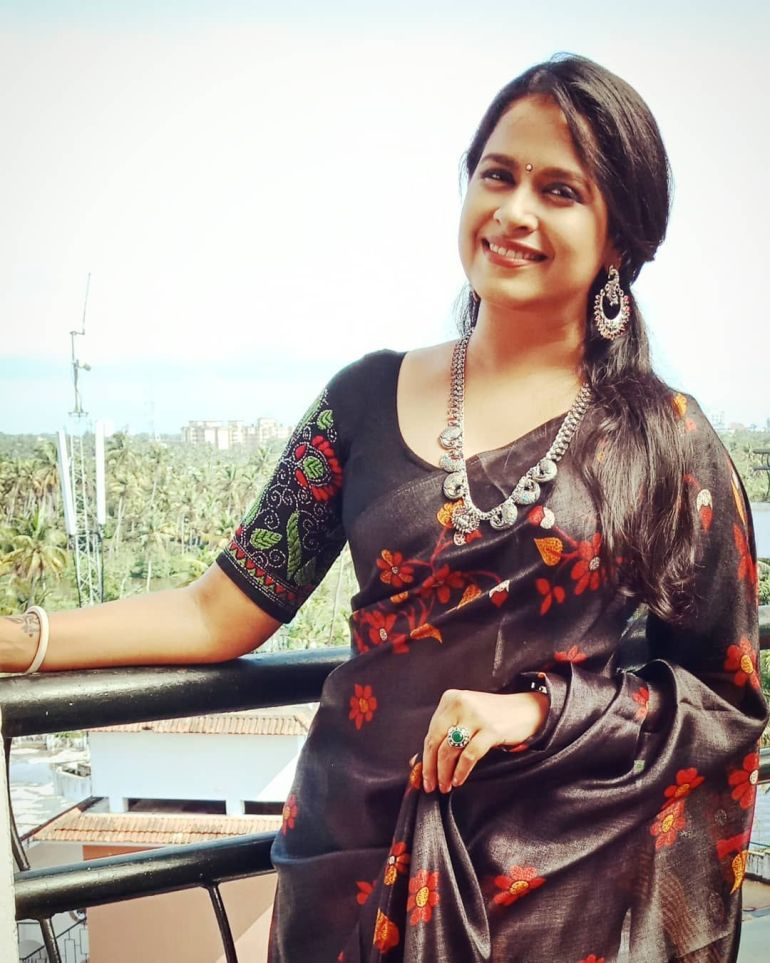 Sadhika Venugopal Wiki, Age, Biography, Movies, and Beautiful Photos 111