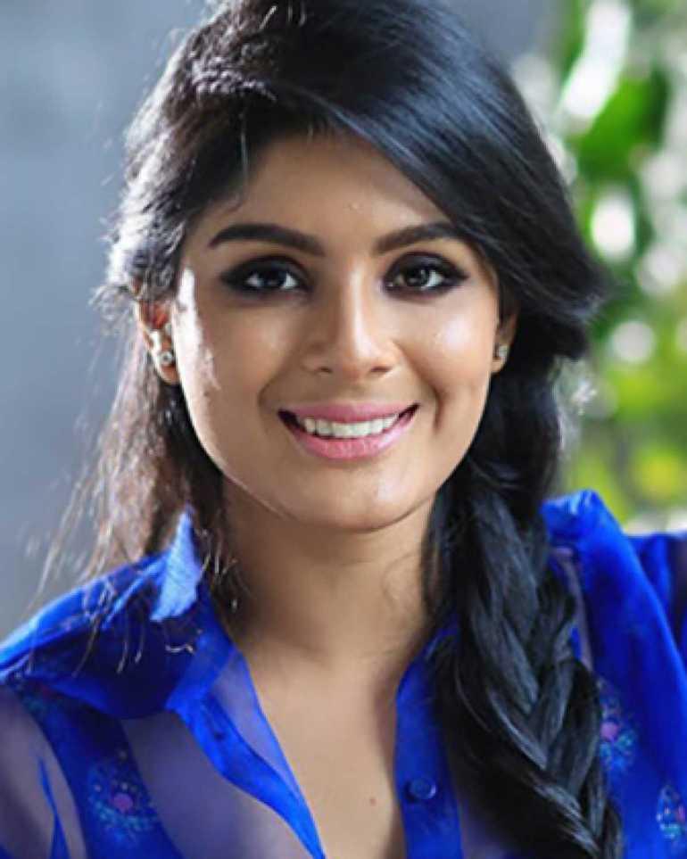 Samyuktha Menon Wiki, Age, Biography, Movies, and Gorgeous Photos 110