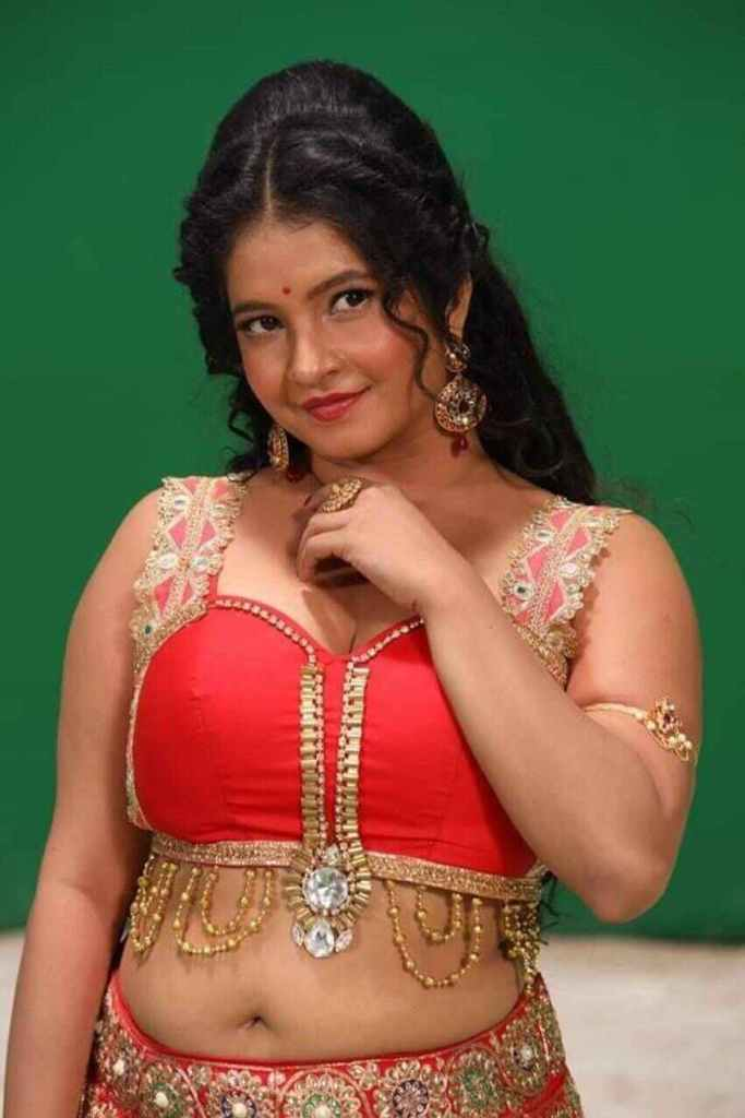 Shubha Poonja Wiki, Age, Biography, Movies, and Beautiful Photos 122
