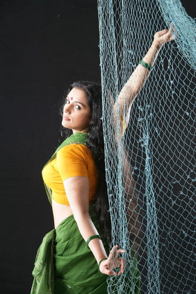 Swetha Menon Wiki, Age, Biography, Movies, and Stunning Photos 124