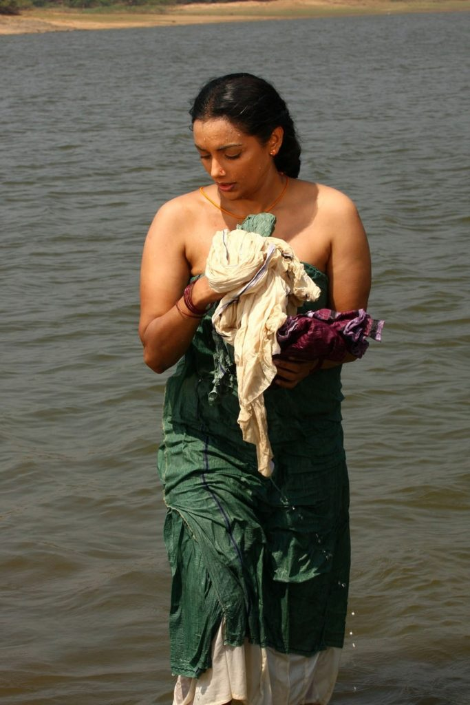 Swetha Menon Wiki, Age, Biography, Movies, and Stunning Photos 130
