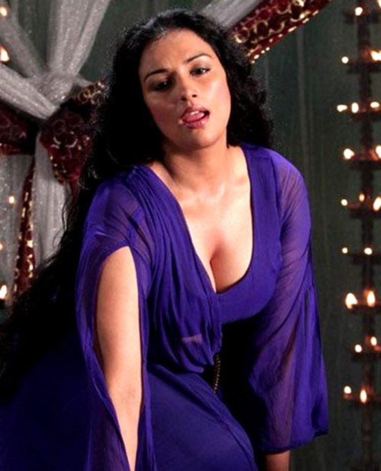 Swetha Menon Wiki, Age, Biography, Movies, and Stunning Photos 135