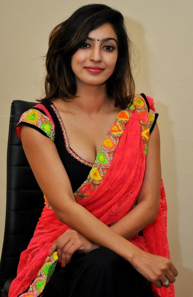 Vaibhavi Joshi Wiki, Age, Biography, Movies, and Beautiful Photos 111