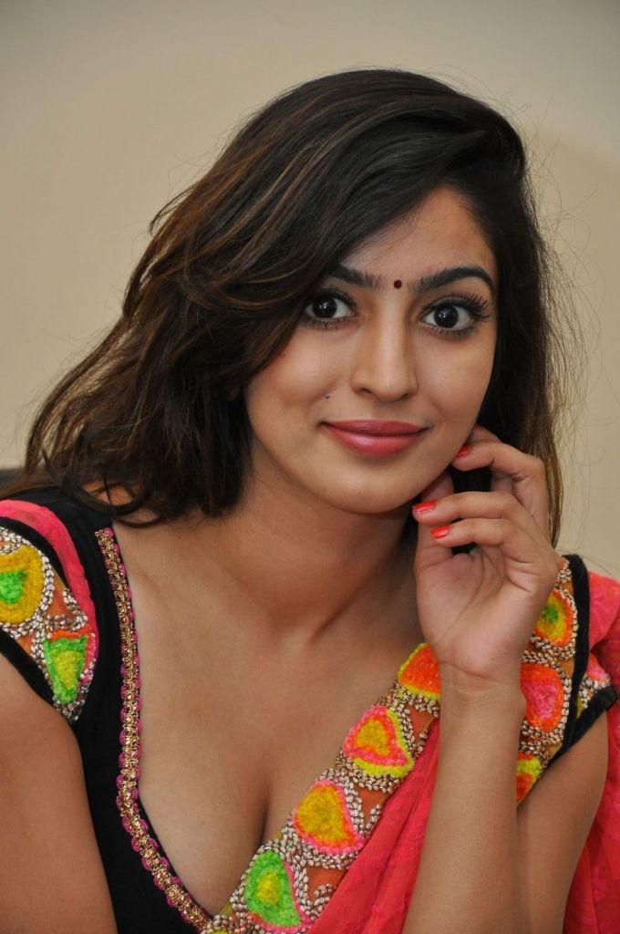 Vaibhavi Joshi Wiki, Age, Biography, Movies, and Beautiful Photos 105