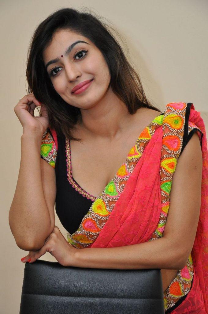 Vaibhavi Joshi Wiki, Age, Biography, Movies, and Beautiful Photos 107