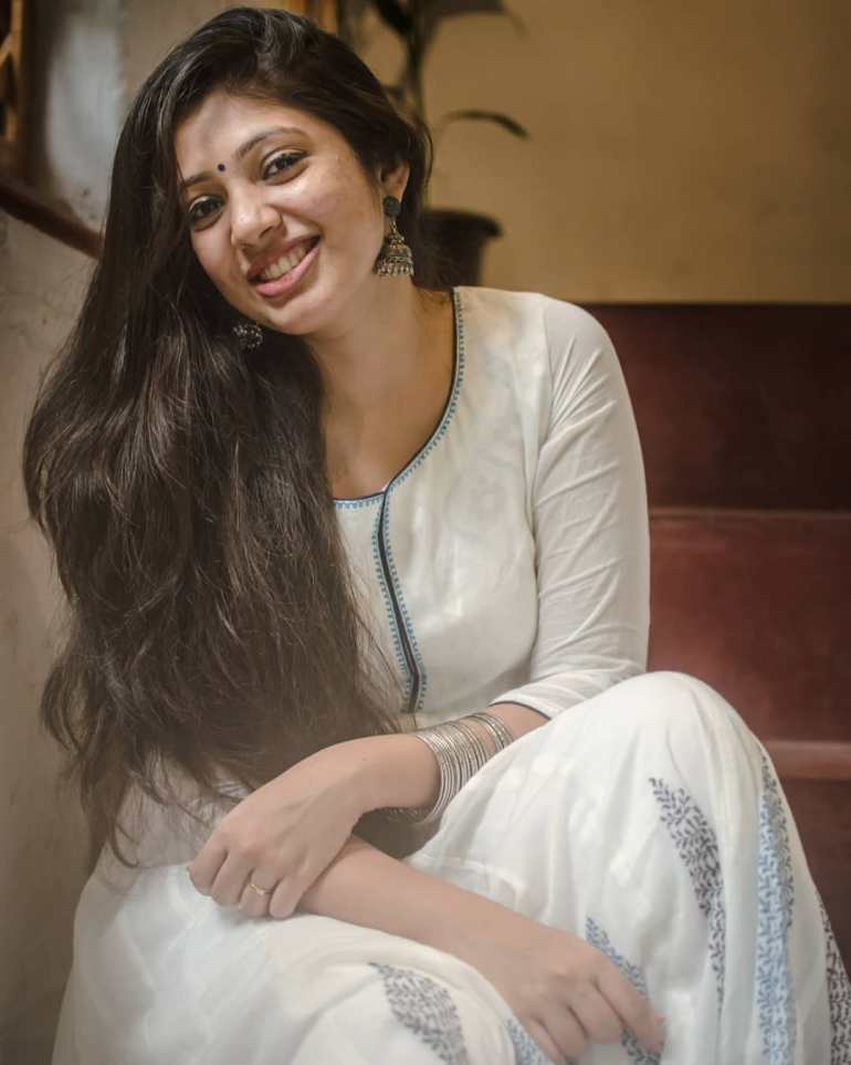 Veena Nandakumar Wiki, Age, Biography, Movies, and glamorous Photos 109