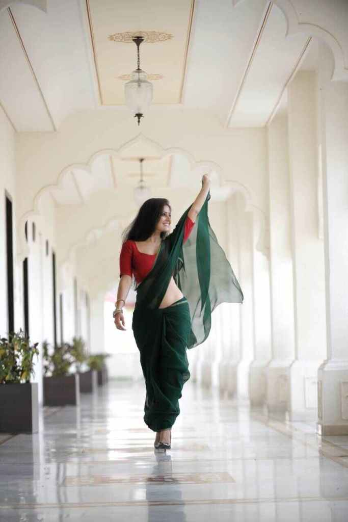Archana Gupta Wiki, Age, Biography, Movies, and Gorgeous Photos 110