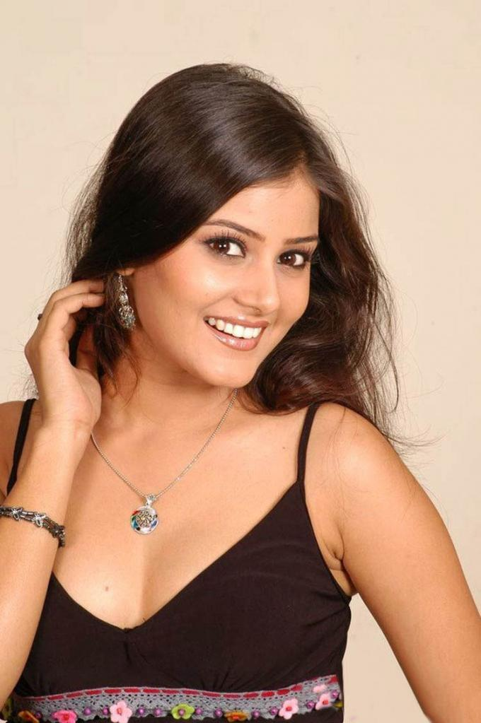 Archana Gupta Wiki, Age, Biography, Movies, and Gorgeous Photos 100