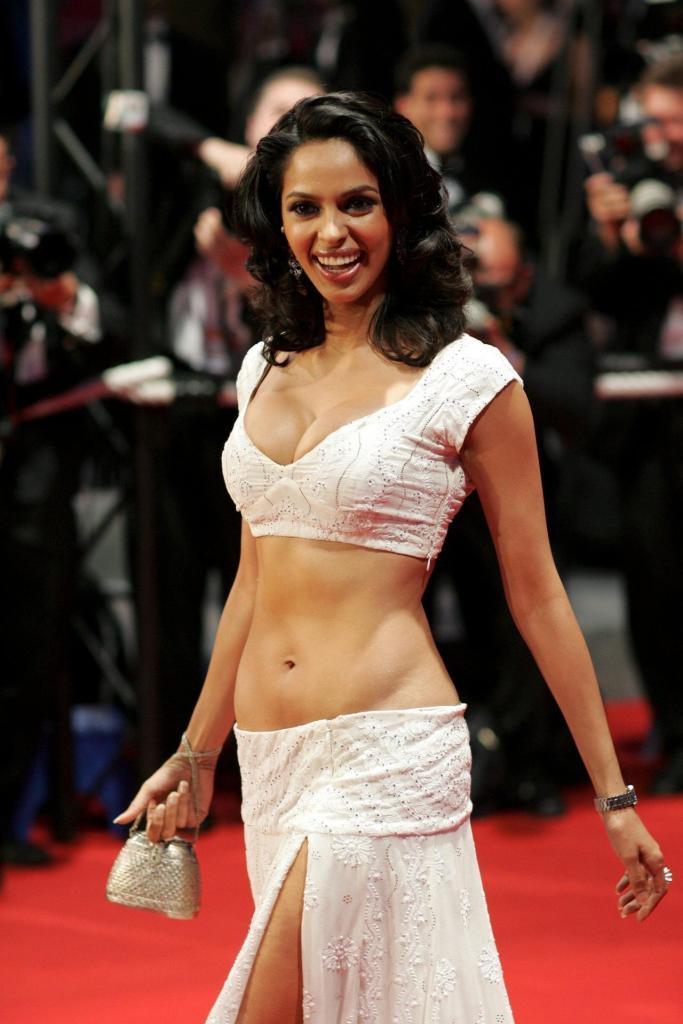 Mallika Sherawat Wiki, Age, Biography, Movies, and Gorgeous Photos 118