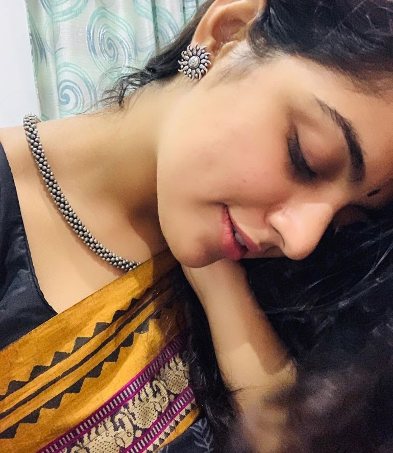 Nikhila Vimal Wiki, Age, Biography, Movies, and Beautiful Photos 117