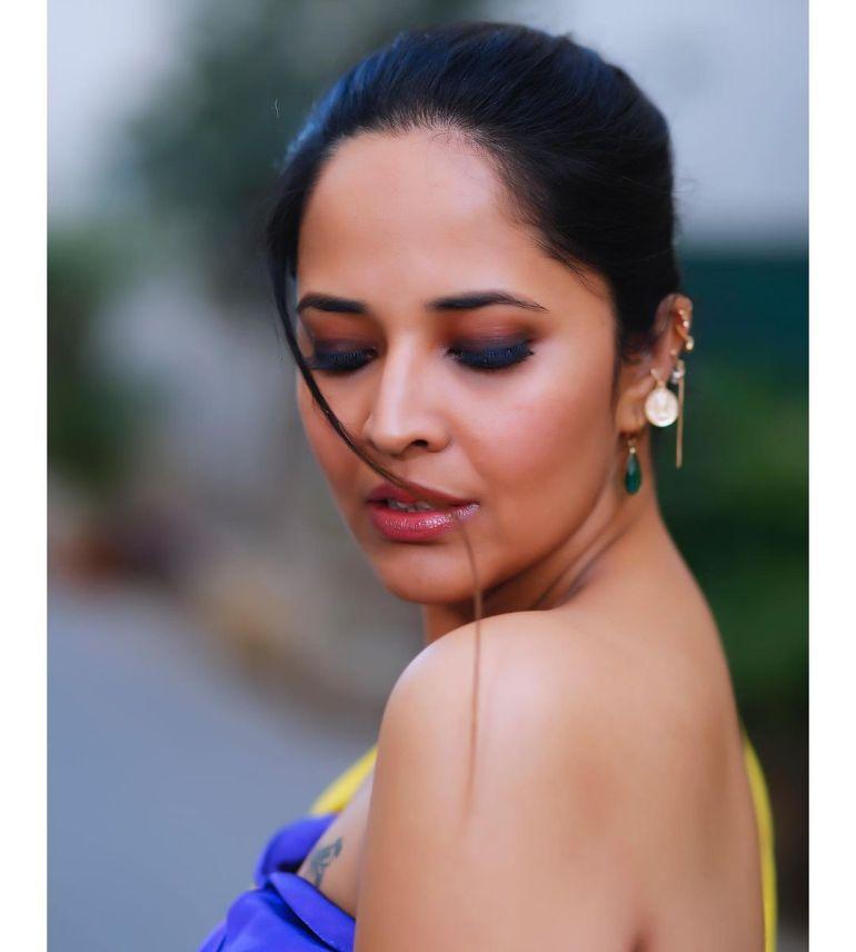 Anasuya Bharadwaj Wiki, Age, Biography, Movies, and Beautiful Photos 108