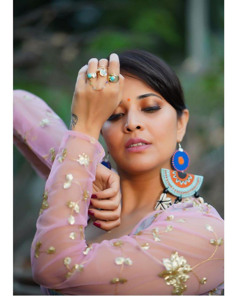 Anasuya Bharadwaj Wiki, Age, Biography, Movies, and Beautiful Photos 124