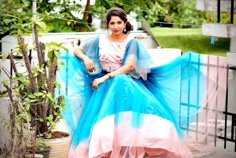 Anchor Indu Wiki, Age, Biography, Movies, and Gorgeous Photos 114