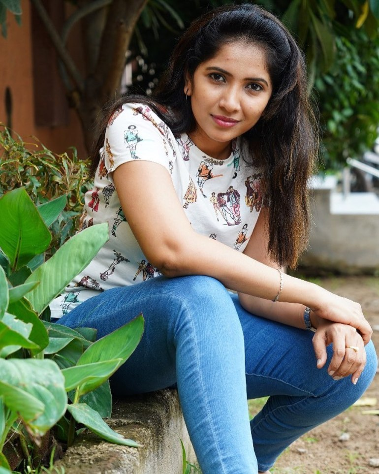 Anchor Indu Wiki, Age, Biography, Movies, and Gorgeous Photos 103