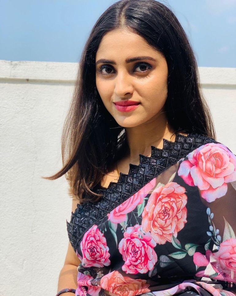 Ayesha ( Actress) Wiki, Age, Biography, Movies, and Beautiful Photos 109