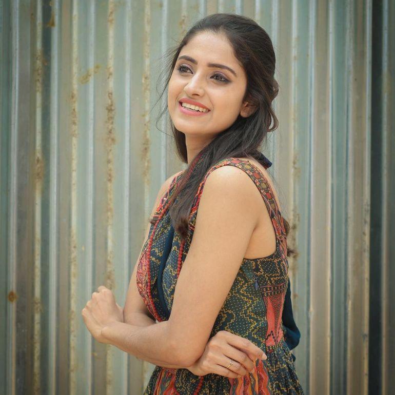 Ayesha ( Actress) Wiki, Age, Biography, Movies, and Beautiful Photos 108