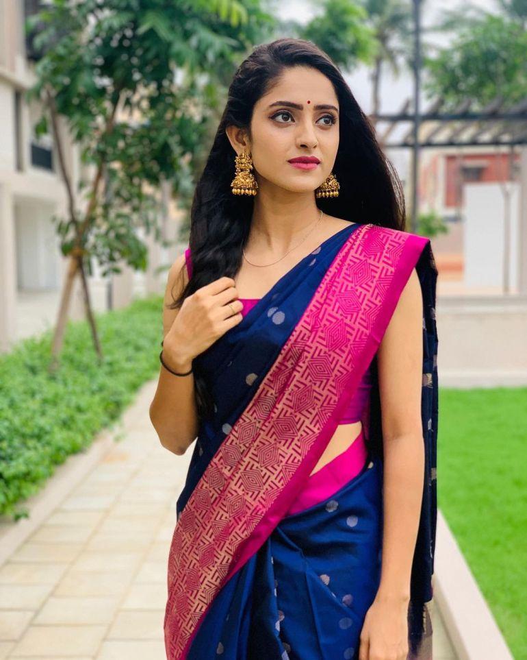Ayesha ( Actress) Wiki, Age, Biography, Movies, and Beautiful Photos 127