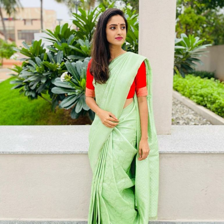 Ayesha ( Actress) Wiki, Age, Biography, Movies, and Beautiful Photos 133