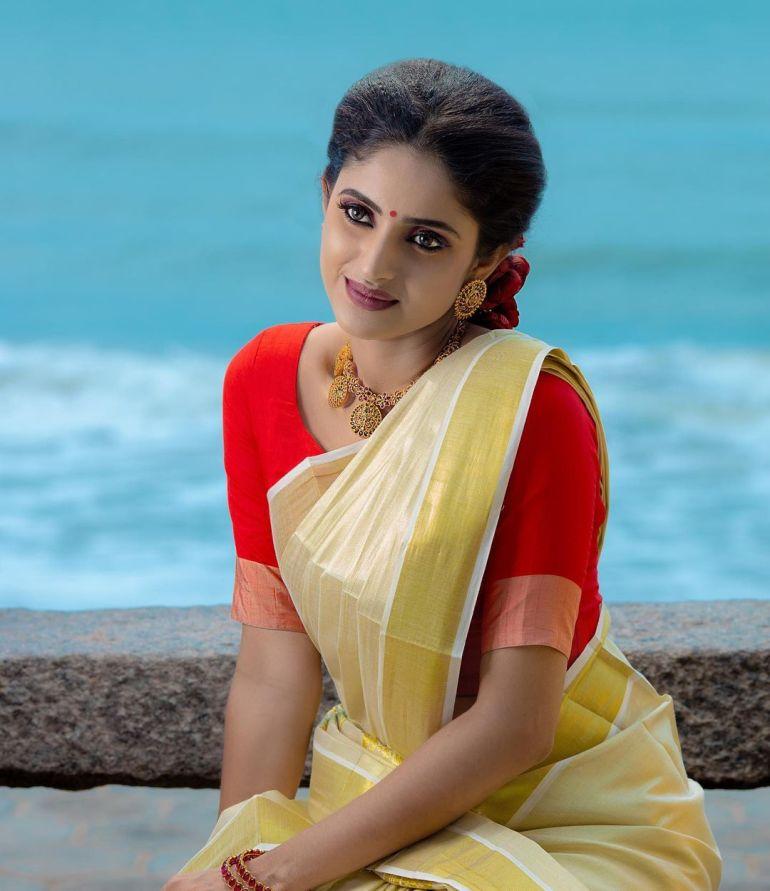 Ayesha ( Actress) Wiki, Age, Biography, Movies, and Beautiful Photos 123