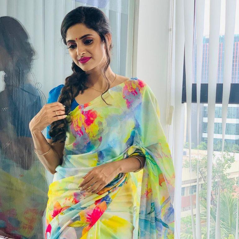 Ayesha ( Actress) Wiki, Age, Biography, Movies, and Beautiful Photos 111