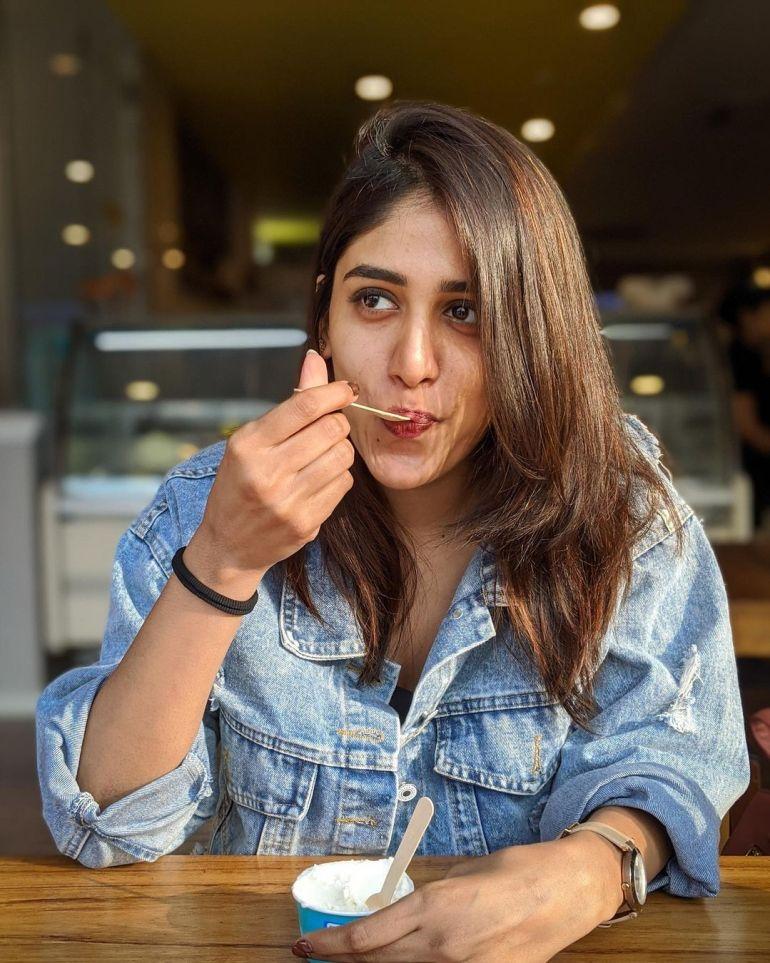 Chandini Chowdary Wiki, Age, Bio, Movies, Husband, Height, Web Series, and Beautiful Photos 112