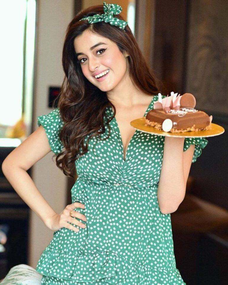 Darshana Banik Wiki/Biography and Beautiful Photos 110