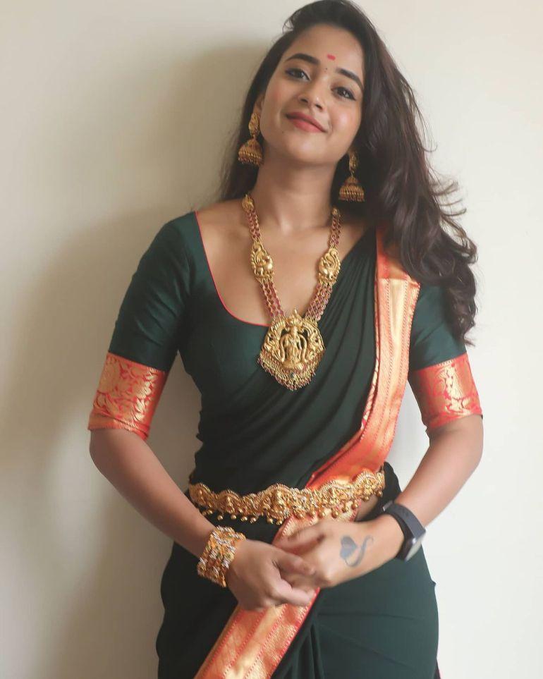 Deepthi Sunaina Wiki, Age, Biography, Movies, and Beautiful Photos 125