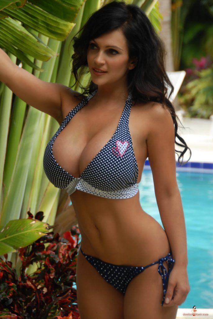 Denise Milani Wiki, Age, Biography, Height, and Glamorous Photos 126