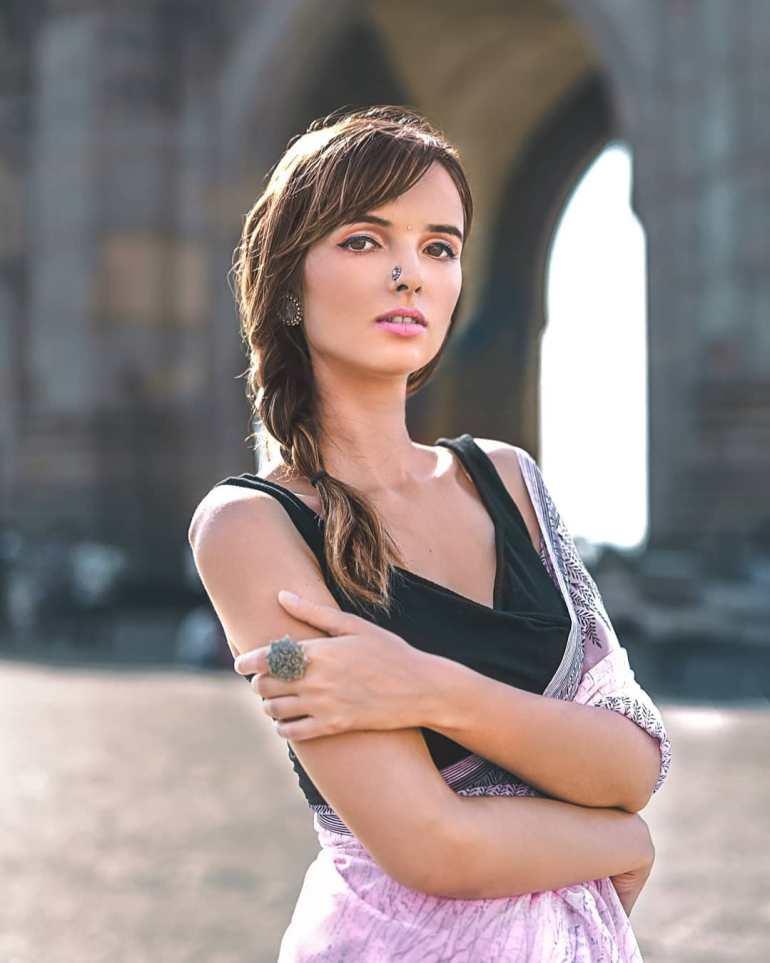 Joanna Robaczewska Wiki, Biography, Web Series, and Beautiful Photos 119