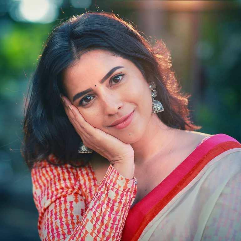 Komalee Prasad Wiki, Age, Biography, Movies, and Gorgeous Photos 111