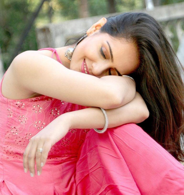 Malvi Malhotra Wiki, Age, Bio, Movies, Husband, Height, and Beautiful Photos 109