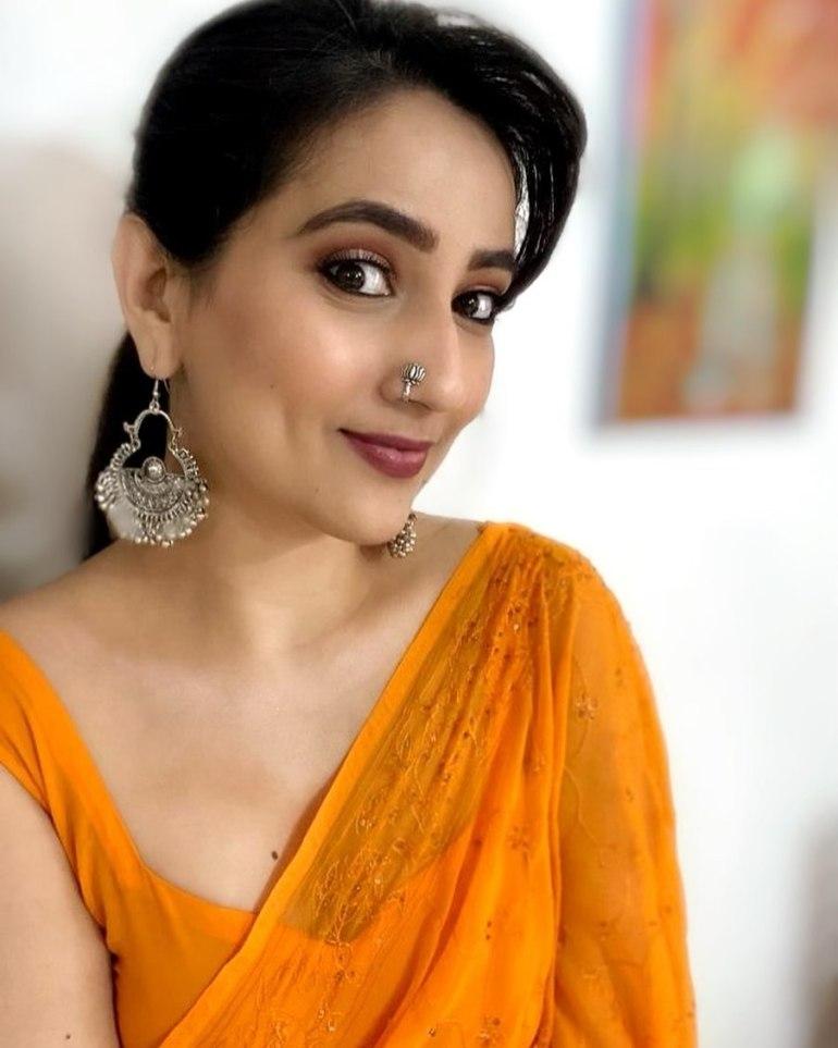 Manjusha Rampalli (Anchor Manjusha) Wiki, Age, Biography, Movies, and Stunning Photos 121