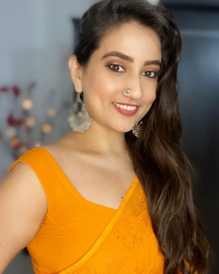 Manjusha Rampalli (Anchor Manjusha) Wiki, Age, Biography, Movies, and Stunning Photos 122