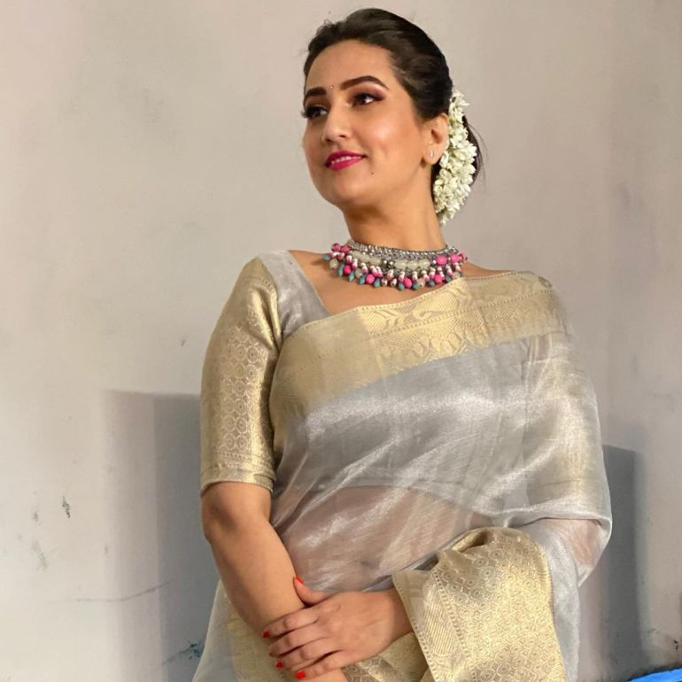 Manjusha Rampalli (Anchor Manjusha) Wiki, Age, Biography, Movies, and Stunning Photos 110
