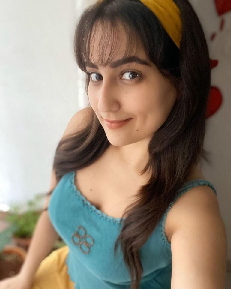 Manjusha Rampalli (Anchor Manjusha) Wiki, Age, Biography, Movies, and Stunning Photos 114