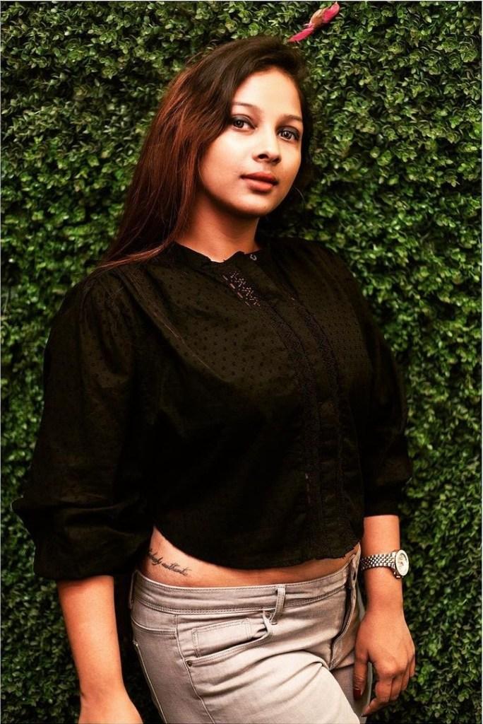 Bengali Model Pihu (Priyanka) Wiki, Age, Biography, Movies, and Beautiful Photos 103
